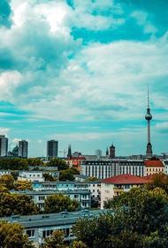 Семь человек пострадали в результате наезда автомобиля на пешеходов в Берлине