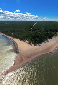 Мыс Колка: место, где встречаются два моря