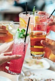 Диетолог перечислила самые опасные алкогольные коктейли