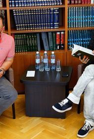 Захар Прилепин рассказал челябинским журналистам о новой книге и идеях