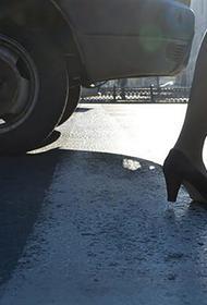 В Москве водитель без штанов и в женской одежде устроил ДТП