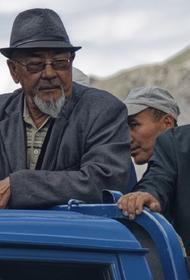 В Киргизии из ковидного госпиталя выписали 101-летнего пациента