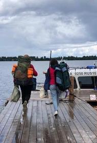 Волонтеры культуры стали участниками экспедиции по сохранению деревянного зодчества в Карелии