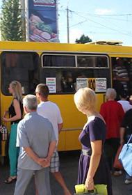 В Крыму о социальной дистанции в транспорте уже не думают