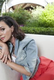 В окружении больной раком Заворотнюк поведали о «непоправимых переменах» во внешности актрисы