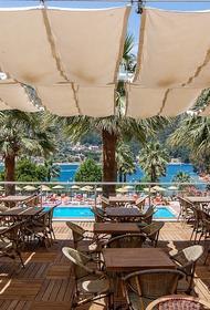 Власти Турции сообщили о резком росте числа случаев заражения COVID-19 на курортах