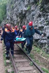 Подросток упал с обрыва в Гуамском ущелье