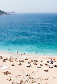 Ростуризм напомнил про штрафы для туристов в Турции