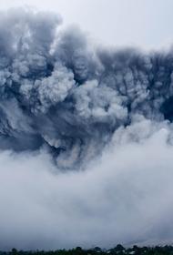 Курорты Индонезии заволокло удушливым дымом