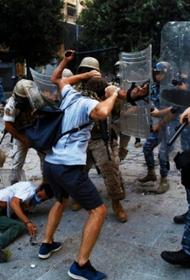 Хаос кому-то необходим:  чего добиваются протестующие в разрушенном Бейруте