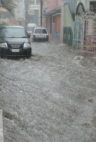 По меньшей мере 60 человек погибли в Пакистане в результате погодных условий