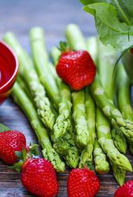Диетолог объяснил, какое количество питательных веществ необходимо человеку в сутки