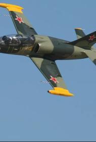 На Кубани упал тренировочный самолет Л-39, пилоты живы
