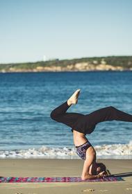 Исследователи рассказали, что йога помогает избавиться от тревожности