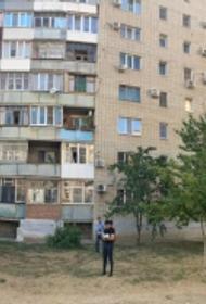 В Ростовской области двое детей выпали из окна на шестом этаже