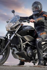 На Варшавском шоссе мотоциклист получил травмы в ДТП