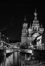 На Дворцовой набережной в Петербурге прохожего ранили за сделанное замечание