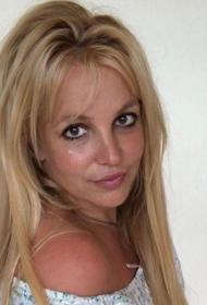 Певица Бритни Спирс выступила против того, чтобы отец остался ее опекуном