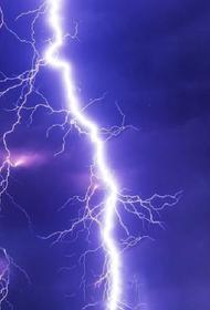 В Кемеровской области от удара молнии погиб 14-летний подросток