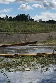 Нефтепродукты попали в реку после утечки в депо Комсомольска-на-Амуре