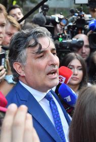 Пашаев разъяснил слова Ефремова об отказе от адвокатов: «Опять вводят в заблуждение»
