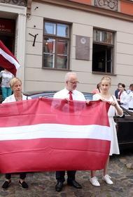 Латвия выстроилась в «цепь солидарности» в поддержку Беларуси
