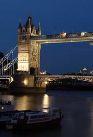 Тауэрский мост в Лондоне сломался во время разведения