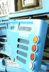 За врезавшимся в автобус грузовиком на Калужском шоссе с начала года числятся 34 штрафа
