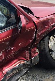 Житель Екатеринбурга решил отомстить супруге и несколько раз протаранил ее машину своей