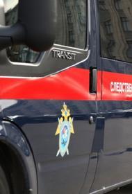 В Москве трое рабочих упали с крыши нежилого строения