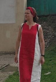 Жительницу Бреста задержали за цвета ее платья