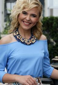 Пелагея опубликовала фото в нарядном платье перед работой в Светлогорске