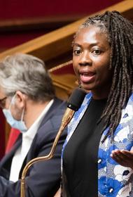 Во Франции журнал обвинили в расизме