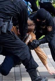 ООН сообщила о минимум 450 случаях пыток после задержаний на протестах в Беларуси. А сегодня силовики вновь хватают студентов