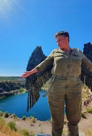 В Сети иронизируют по поводу фото Надежды Савченко с крыльями