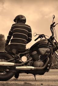 На Калужском шоссе в ДТП с мотоциклом погиб человек