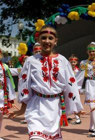 Власти Беларуси запугивают народ -  они угрожают родителям отобрать детей за участие в протестах