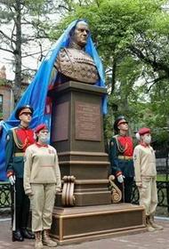 Памятник великому полководцу Г. К. Жукову, отлитый по фотографиям 1945 года, открыли в Хабаровске