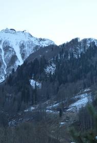 В горах в Сочи пропала группа из 11 туристов, в том числе восемь детей