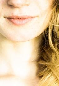 Психолог назвала способы избавиться от «синдрома стервозного лица»