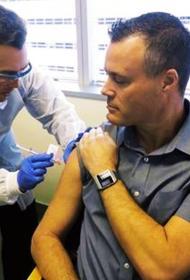 В  Москве первые горожане получили вакцину от COVID-19