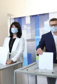 Алексей Текслер проголосовал на выборах депутатов Законодательного Собрания