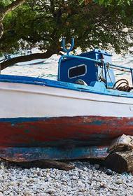 В Тулунском районе опрокинулась лодка с рыбаками