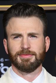 Сыгравший в «Мстителях» актер Крис Эванс случайно показал поклонникам свои гениталии