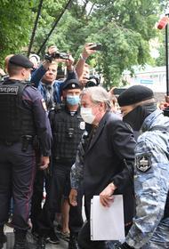Адвокат Юрий Шель объяснил, как Ефремову выйти раньше срока
