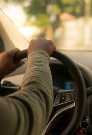 В Оренбургской области слепому на оба глаза мужчине выдали водительские права