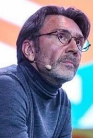Сергей Шнуров в стихотворной форме признался в любви к кассиршам магазинов