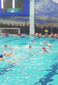 Ватерполистки «Уралочки» собрали победные призы традиционного турнира в Златоуст