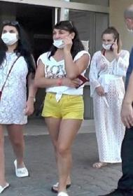 В Турции задержаны три россиянки за нападение  с тапками на медсестру