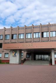 Внучки Лукашенко не могут учиться в Беларуси.  Обе девушки забрали документы из лицея